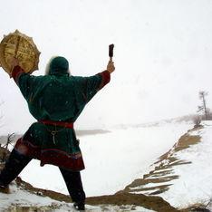Россия введет войска в Украину – верховный шаман Тувы