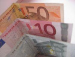 Американский доллар растет к евро после публикации данных по PMI еврозоны