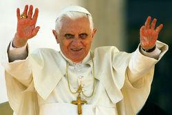 Папа Римский за 2 года лишил сана 400 священников-педофилов