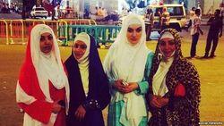 Певицы из Таджикистана одели хиджабы во время паломничества в Саудовскую Аравию