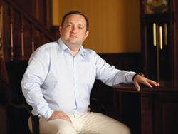 Первое заседание Кабмина и.о. премьера Арбузова пройдет под защитой БТРов