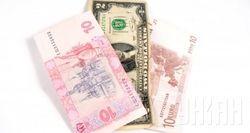 В марте украинцы продали валюты в 4 раза больше, чем купили