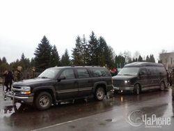 """Правый сектор ездит на авто Януковича: """"А что, их покупать?"""""""