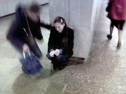 Новый бизнес: В Киеве красивые девушки рассказывают о потерянном кошельке