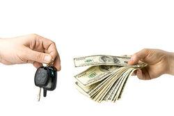 В Украине продажи новых автомобилей обвалились на 45%