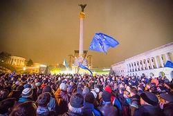 В охрану Евромайдана в Киеве записалось почти три тысячи человек
