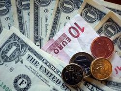 Курс доллара укрепился к евро на Forex после статистики по рынку труда США