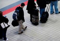 Треть молодых россиян готова эмигрировать
