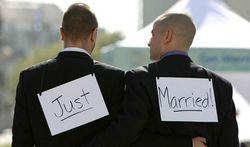 Однополые пары с 29 марта могут заключать браки в Уэльсе и Англии