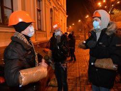 Жизнь Киева изменилась: люди скупают продукты, криминалитет затаился