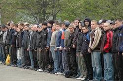 В Киеве идет досрочный призыв юношей во Внутренние войска
