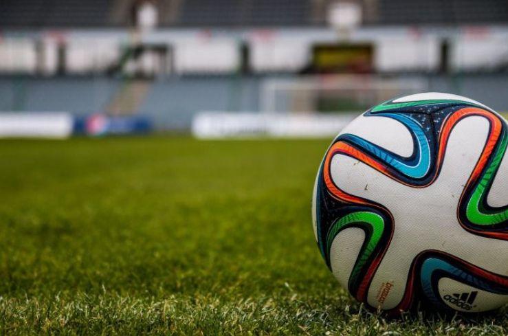 Делать ставки по футболу