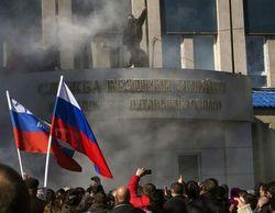 В здании СБУ Луганска 120 боевиков, вокруг 1.5 тыс. митингующих