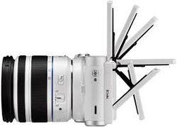 Samsung представила первое устройство на ОС Tizen – это камера