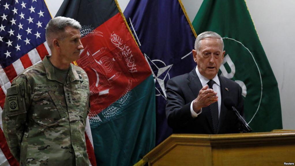 Министр обороны Афганистана ушел вотставку после нападения талибов