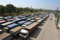 Дороги к Одессе заблокировали зерновозы: причины, последствия
