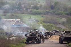 Украинские солдаты под Славянском отражают нападение террористов