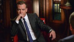 Премьер РФ Медведев не гарантирует целостность Украины – Bloomberg
