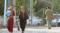 В Туркменистане узбекам трудно получить паспорта, а туркменам - в Узбекистане