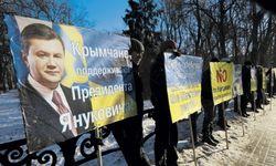 Крым давит на Януковича и грозится уйти к Москве – российские СМИ
