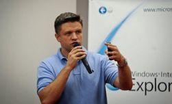 "Гендиректор ""Microsoft Украина"" ушел на Майдан помогать строить баррикады"