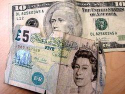 Фунт вырос против курса доллара на 0,08% на Форекс после сильных данных Великобритании