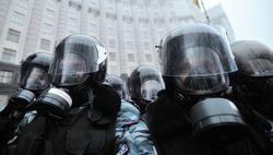 Украинская милиция вновь применяет слезоточивый газ против демонстрантов