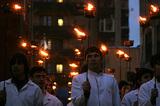 Российские блогеры осудили факельное шествие студентов