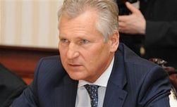Квасьневский: команда Януковича распадается