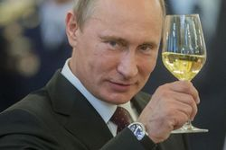 Владимиру Путину сегодня 62 – мнения о президенте