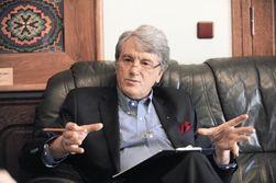 Ющенко объяснил причины длительного проживания на госдаче