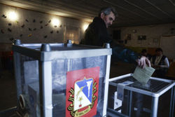 """Наблюдатели """"Спільної справи"""" оценили явку в Крыму в 20%"""