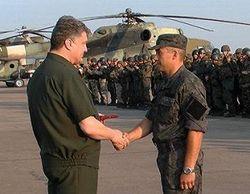 Порошенко дал бойцам АТО медали и ордена за героизм и мужество
