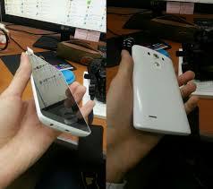 LG G3 появился на фотографиях без заднего корпуса