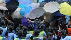 Протесты в Гонконге стихли, полицейских выводят из центра города