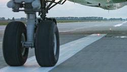 Дебошир принудил самолет к экстренной посадке в Челябинске - есть пострадавшие