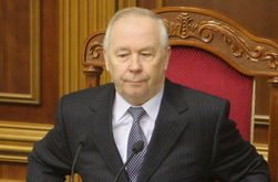 Спикер Рыбак: Янукович  скоро сделает выводы по событиям в стране
