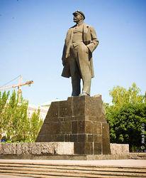 Патриоты декоммунизировали Донецк, подорвав памятник Ленину