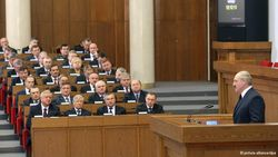 Почему молодежь в Беларуси не идет в госслужащие