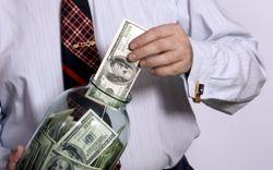 Россияне не хотят отдавать свои деньги банкам