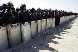 Спецназ атаковал захваченный радикалами отдел полиции в Ереване