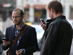 Украинцы стали чаще пользоваться мобильным Интернетом и меньше разговаривать