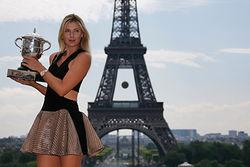 Российская теннисистка Шарапова заработала больше всех спортсменок мира