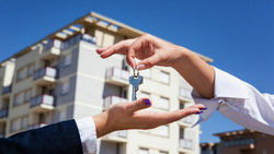Недвижимость Латвии: аукционная недвижимость скопилась у латвийских банков