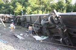 Узбекистан: Число пострадавших в крушении поезда остается неизвестным