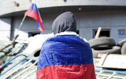 Захватчики Луганской СБУ: женщины не заложники, они - живой щит