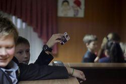 В школах Киева вводят безнальные карты для расчетов в буфете