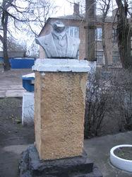 МВД: в Украине от ветхости разрушился очередной памятник Ленина