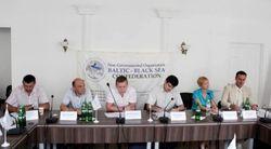 Балтийско-Черноморский регион может временно заменить Украине НАТО и ЕС