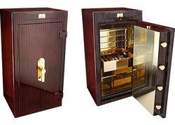 Состоятельные россияне скупают валюту и прячут ее в домашних сейфах